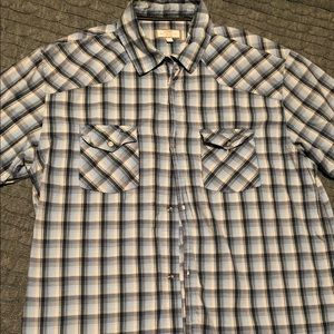 Men's Old Navy short sleeve button up, size L!